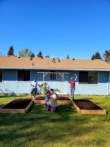 Lettuce Build Gardens!