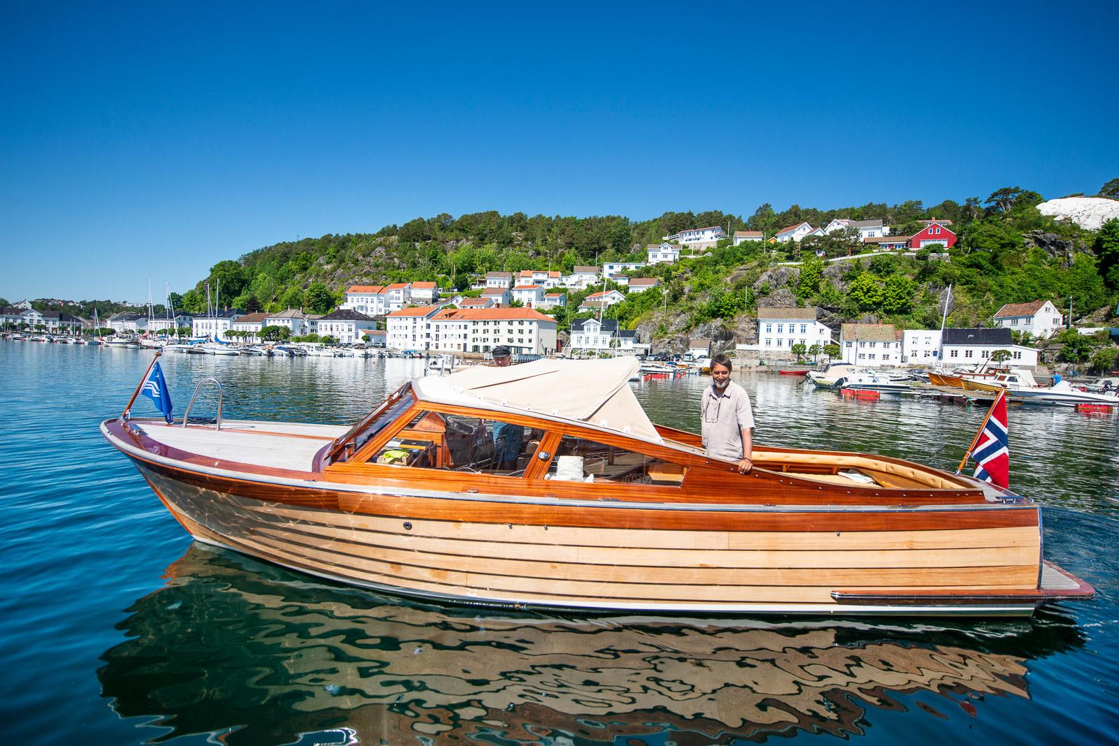 Bilde av eksklusiv motorbåt