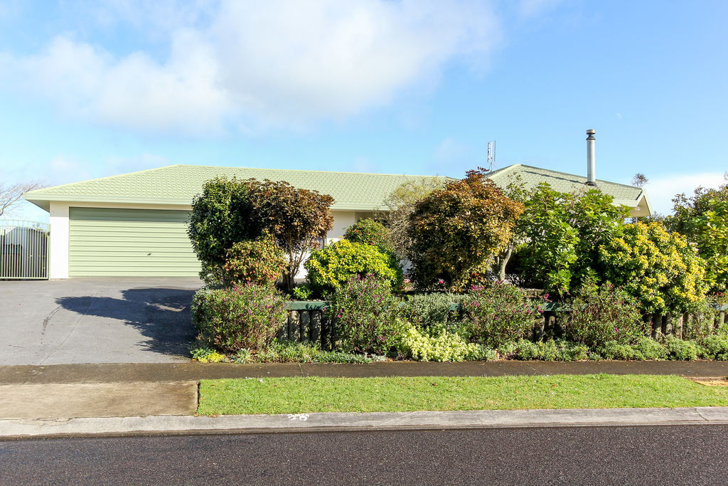 36 Tiverton Crescent - Whalers Gate