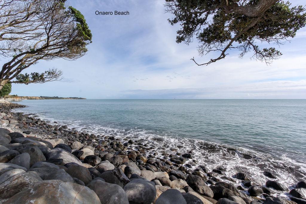 11 Onaero Beach Road - Onaero