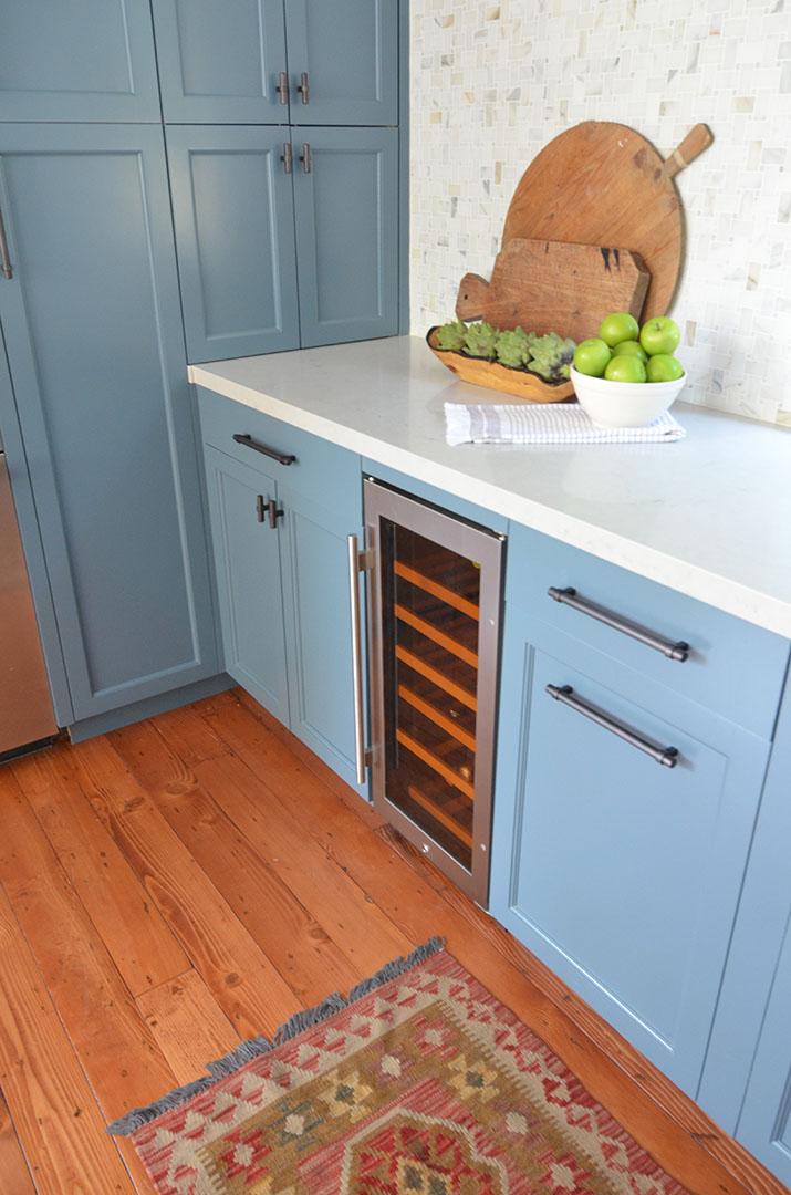 Kitchen's bottom cabinets design in North Berkeley