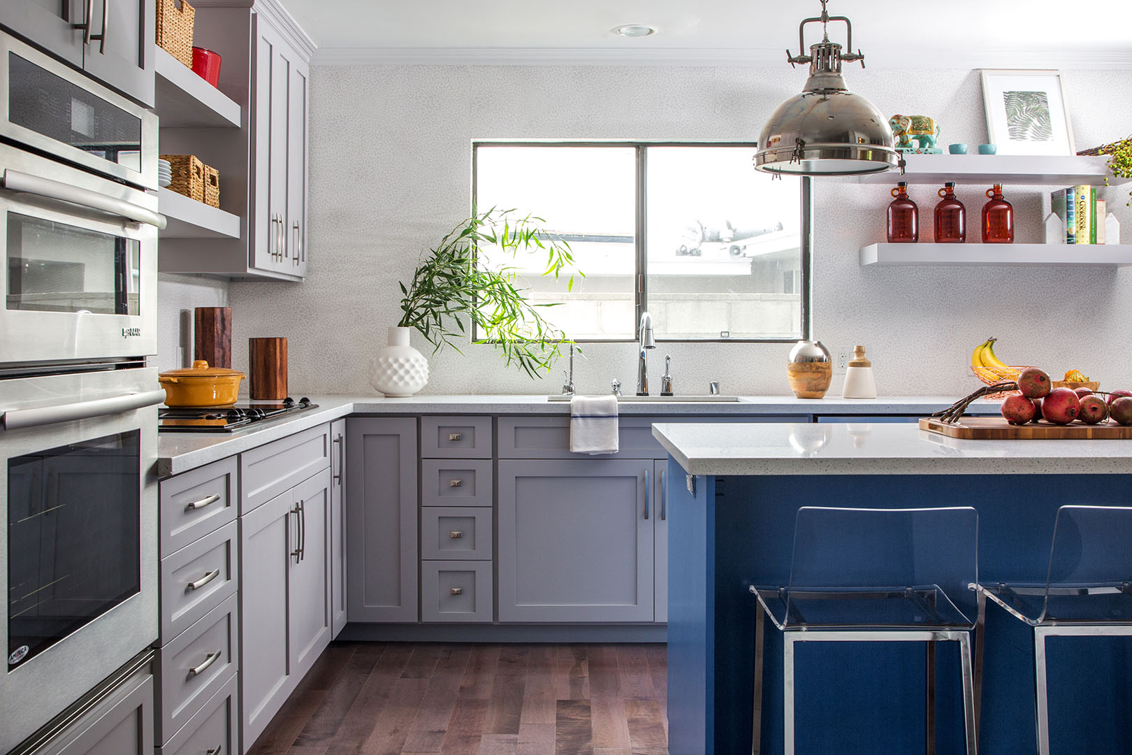 Kitchen's cabinet design in Oakland