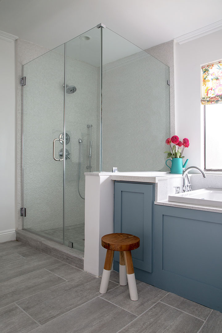 Bathroom shower room design in Oakland