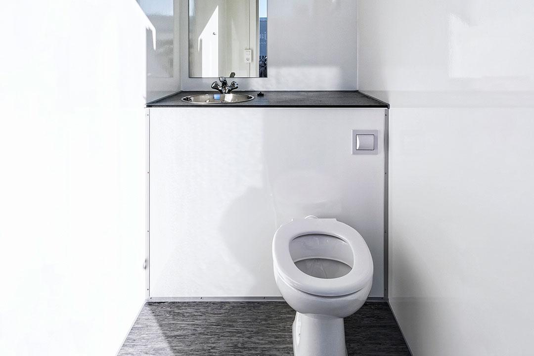 Scanvogn toilet cabin 2in1 01