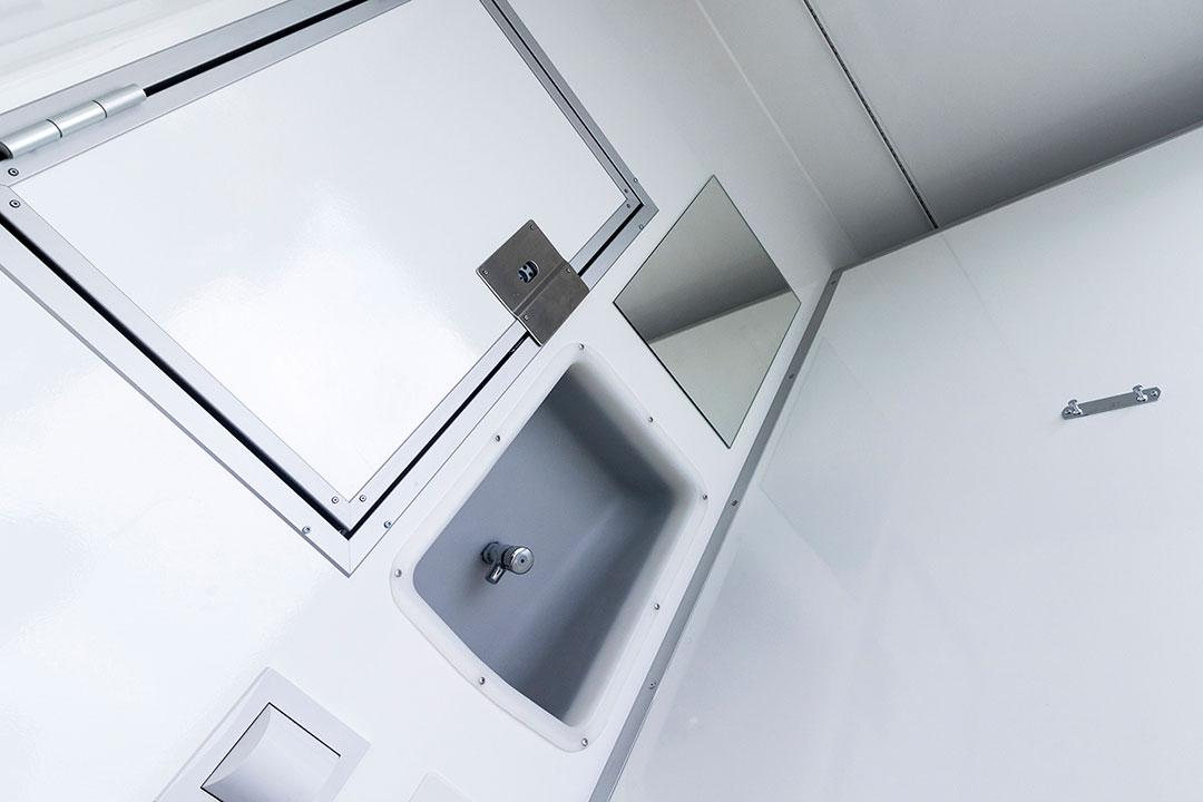Scanvogn toilet cabin 16 people 02