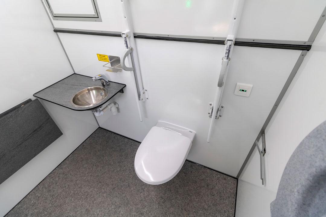 Scanvogn toilet house 08