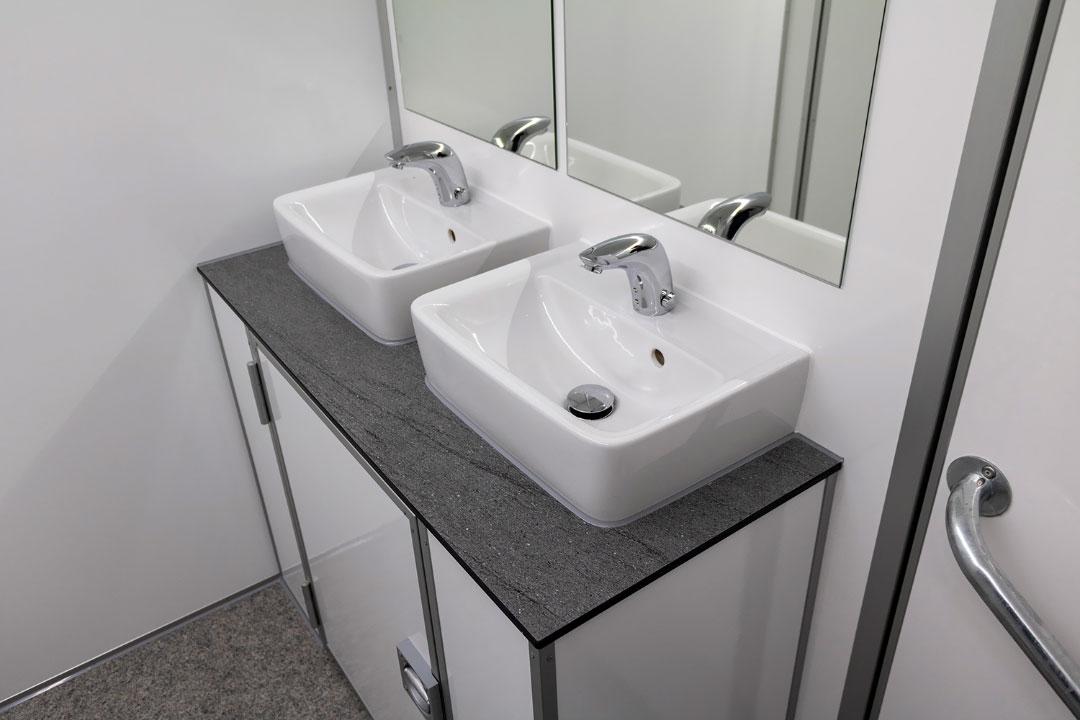 Scanvogn toilet house 06