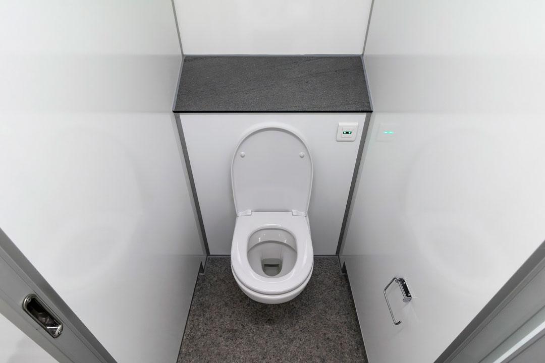 Scanvogn toilet house 03