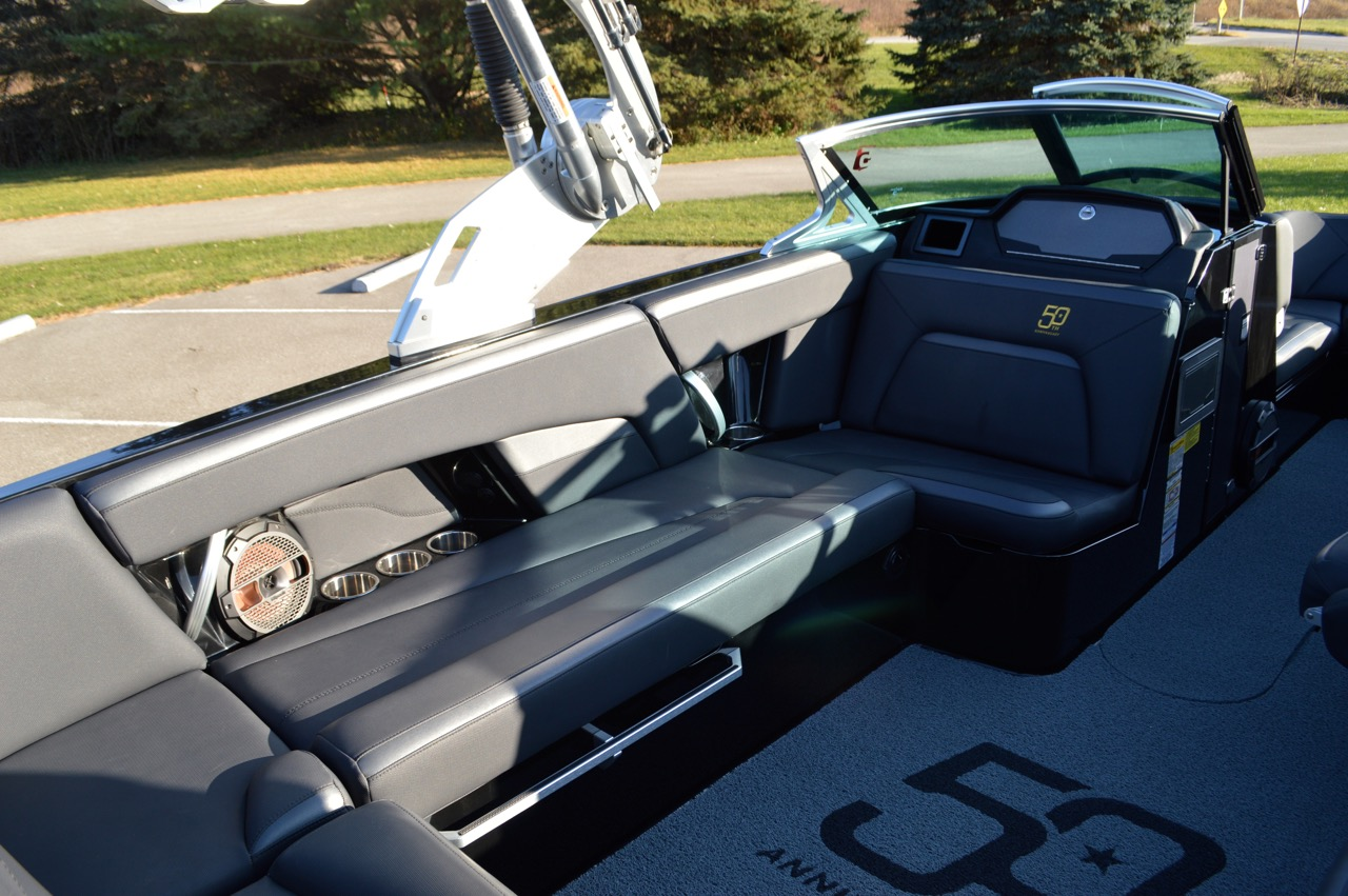 2018 Mastercraft XStar 50th Anniversary Edition_Observer's seat with coolfeel viny;