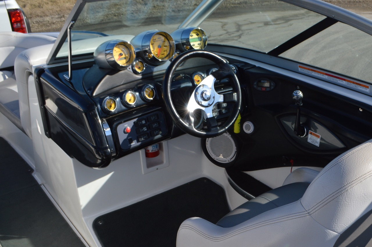 2005 Mastercraft XStar-Helm w/Perfect Pass Cruise Control and Ballast system