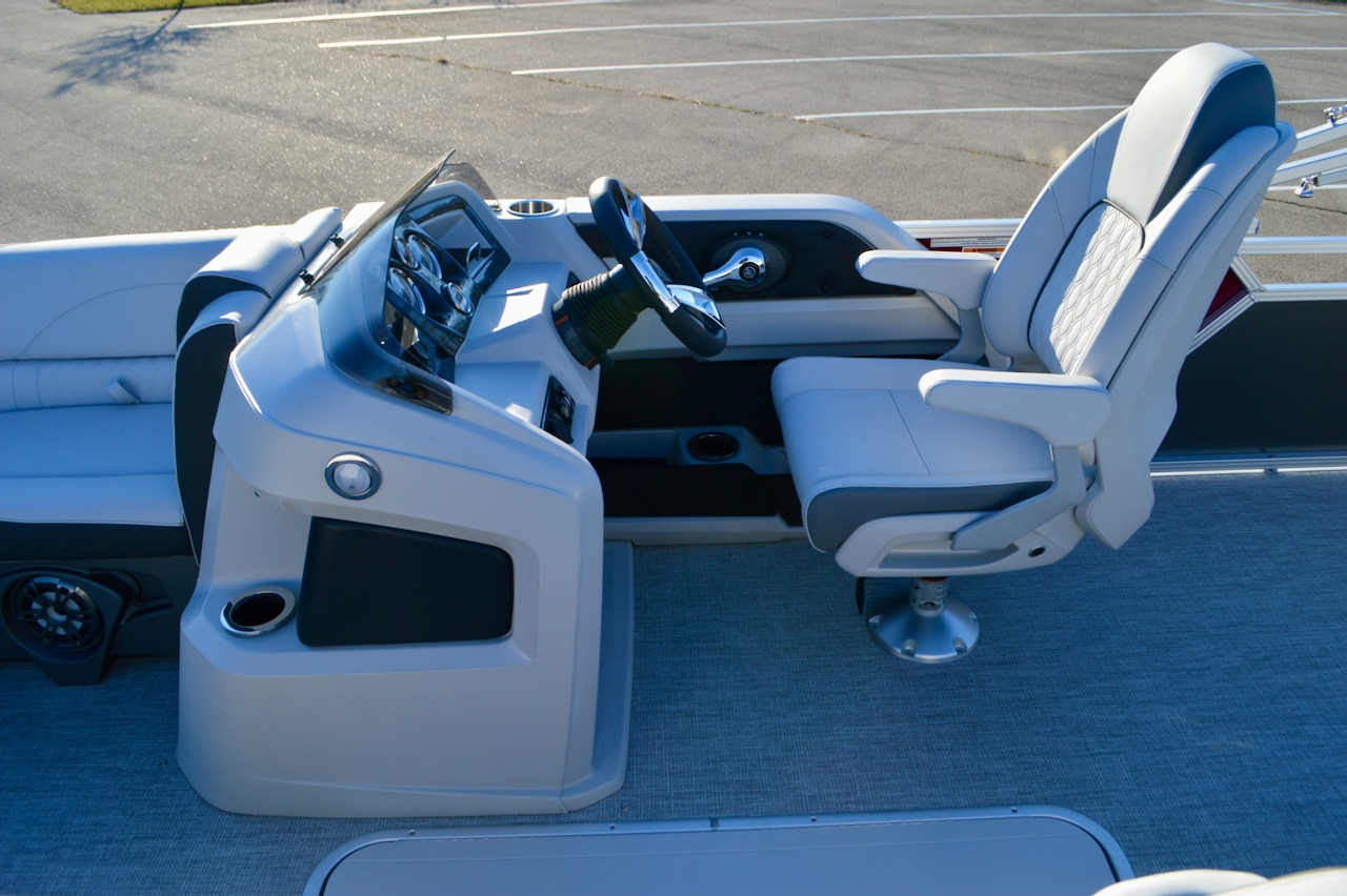 2021 22' LSZ Cruise Rear Bench with LSZ Premium Package