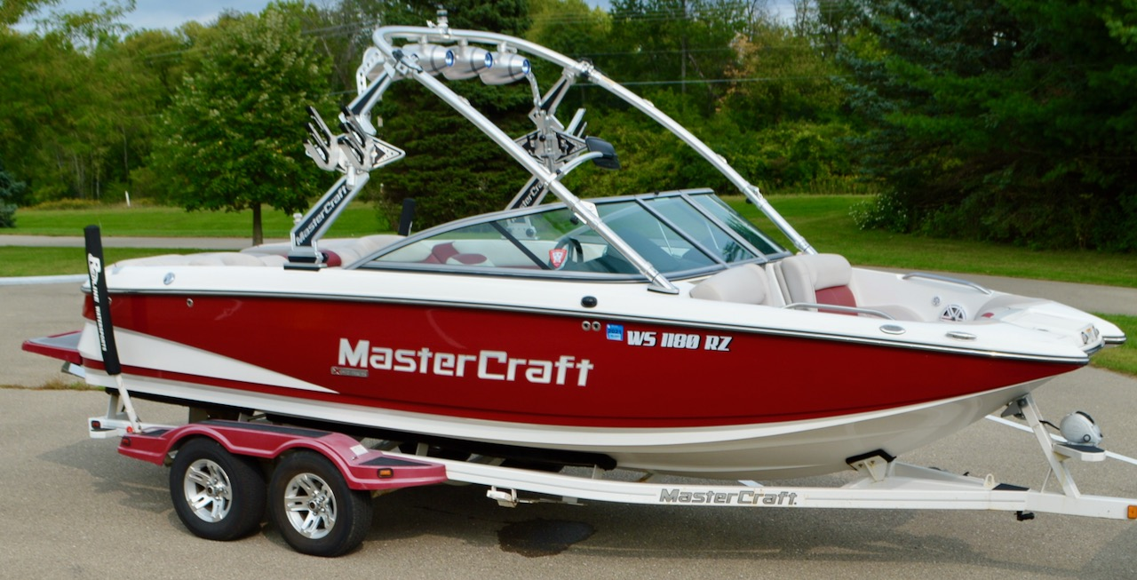 2010 MasterCraft X-25 with Pro Tour Red Gel