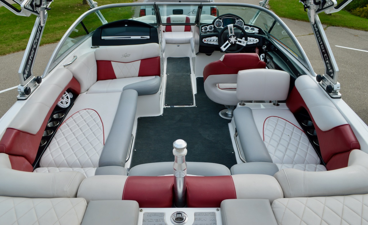 2010 MasterCraft X-25 with Stereo
