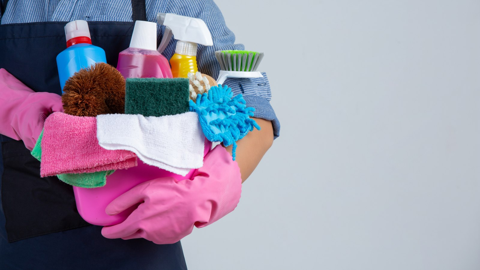 ¿Por qué es importante hacer un inventario de productos de limpieza en el condominio?