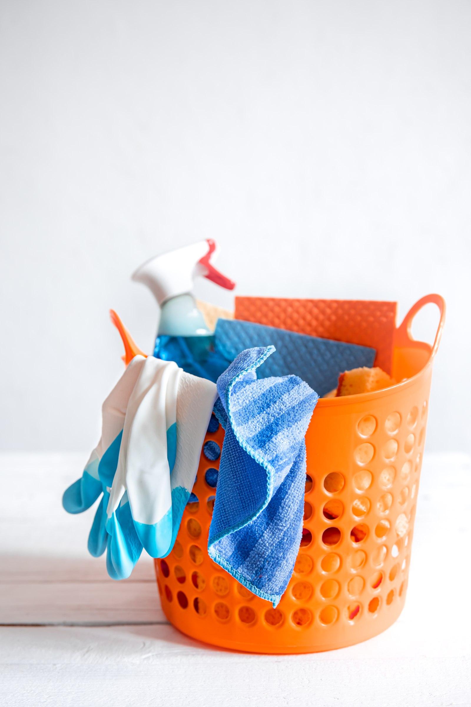 ¿Cómo hacer un inventario de los productos de limpieza del edificio?