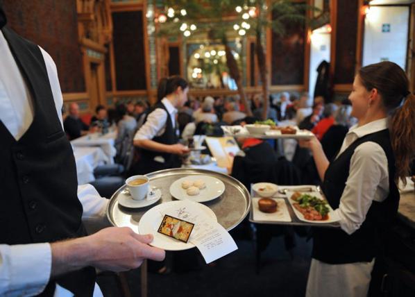 Waiter Pay