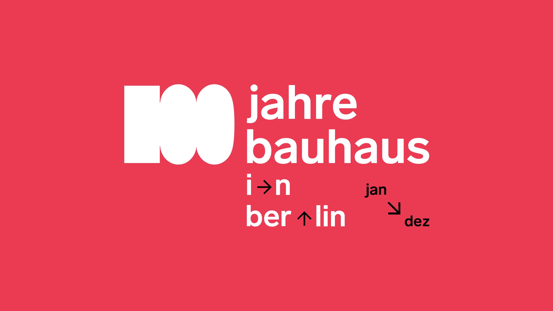 Signé von 100 Jahre Bauhaus in Berlin vor weißen Hintergrund
