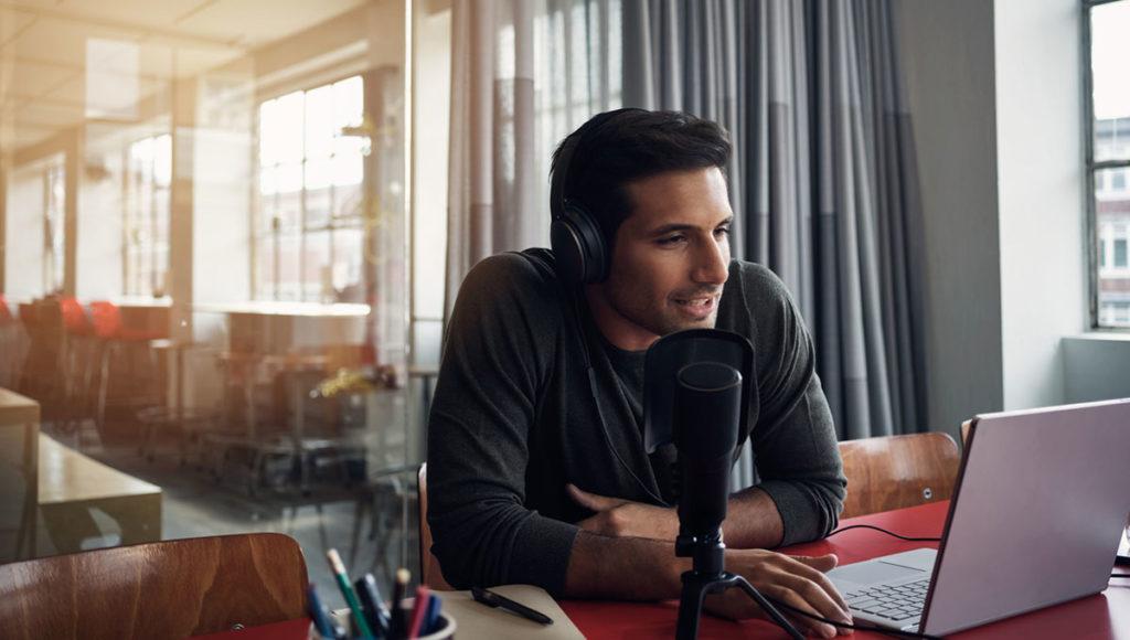 Un podcast es un excelente ejemplo de marketing de contenidos para triunfar en el Internet
