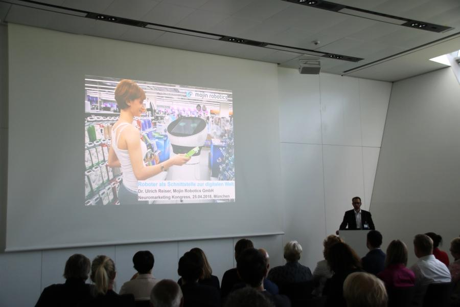 Retail Talk: Service Roboter