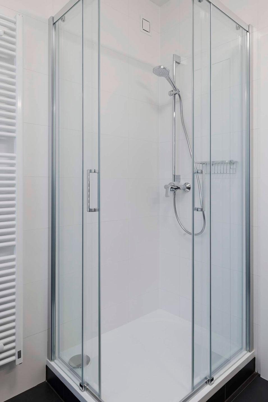 designový sprchový kout  - strizkov.apartments