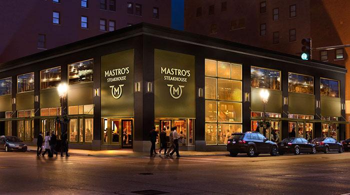 Mastro's Steakhouse acusado de robar propinas