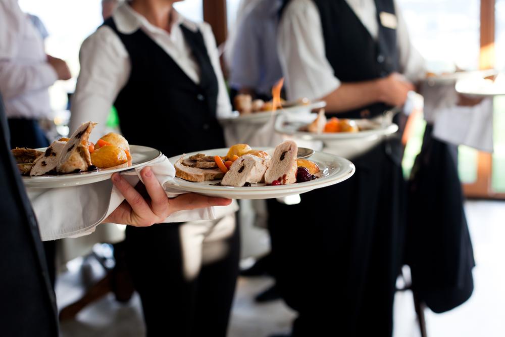 Restaurantes en Rhode Island Demandados por Robo de Salario