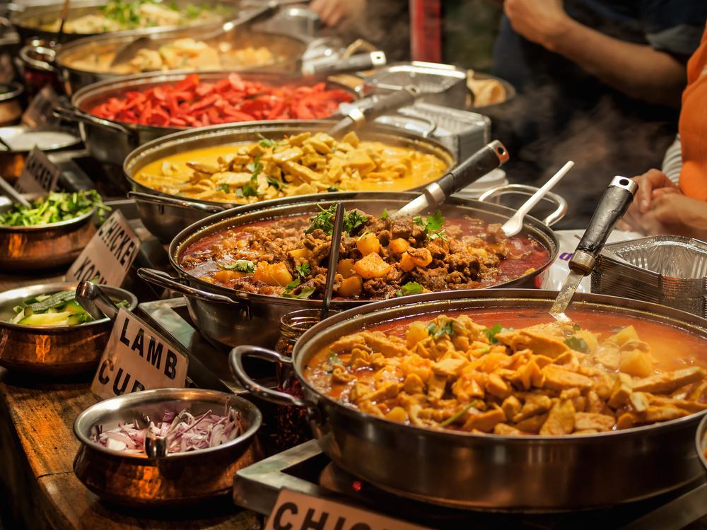 Restaurantes Indios Demandado por el Departamento de Trabajo por Robo de Salarios y Violaciones de Horas Extras