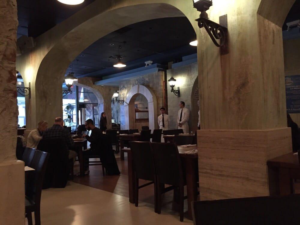 Restaurante en el Bronx Paga $92 mil Para Resolver Reclamos de Salario Mínimo y Horas Extras