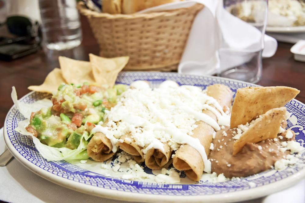 Restaurante El Bandido Le Paga a un Cocinero $31,000 Por no Pagar los Salarios de Horas Extras