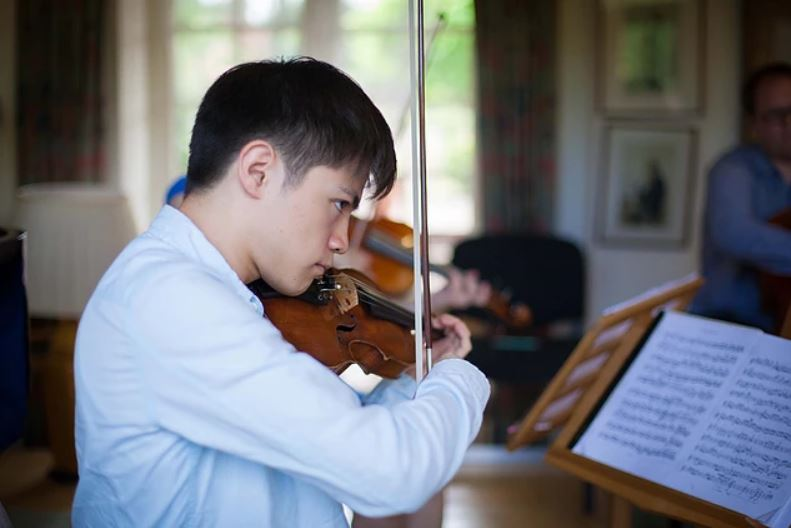 Violin rehearsals