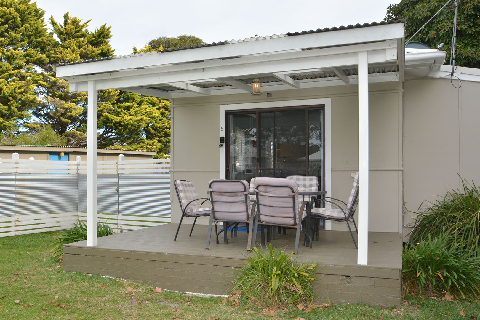 Sussex Inlet Accommodation – Pet Friendly South Coast Cabins