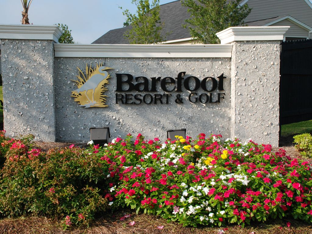 Barefoot Resort and Golf sign