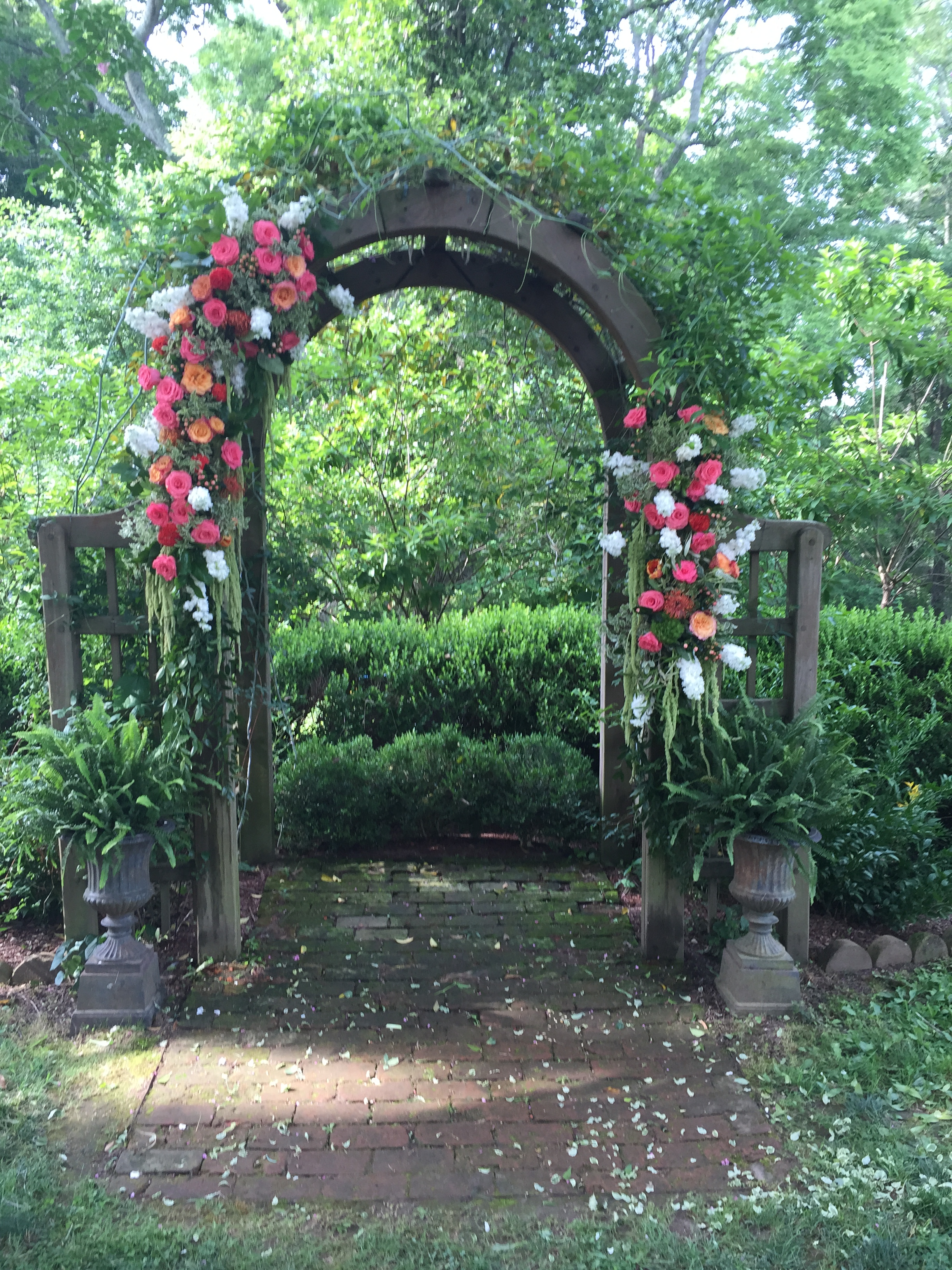 tuckahoe plantation wedding flowers ceremony flowers richmond virginia wedding florist
