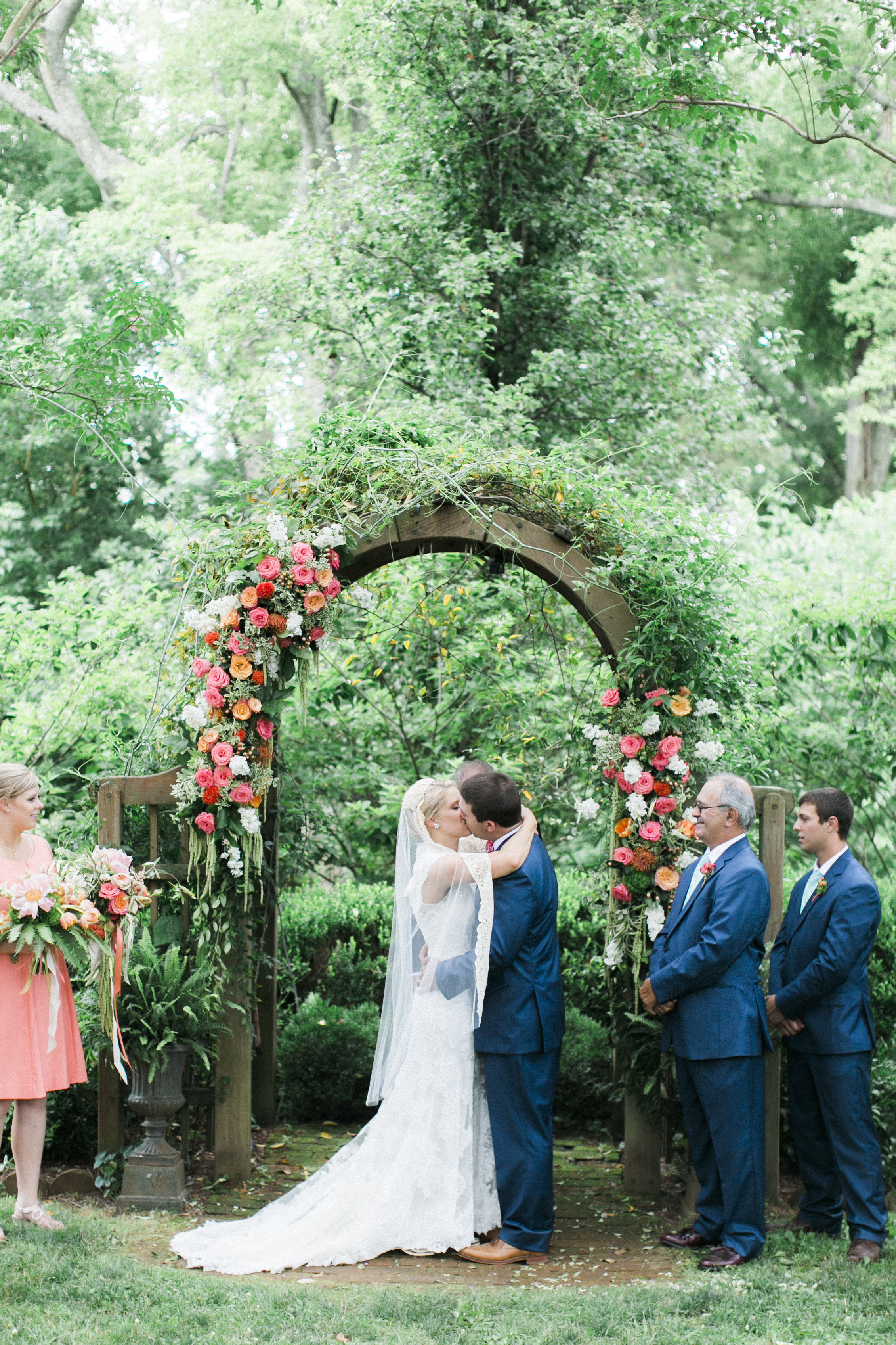 tuckahoe plantation richmond virginia wedding florist floral arch