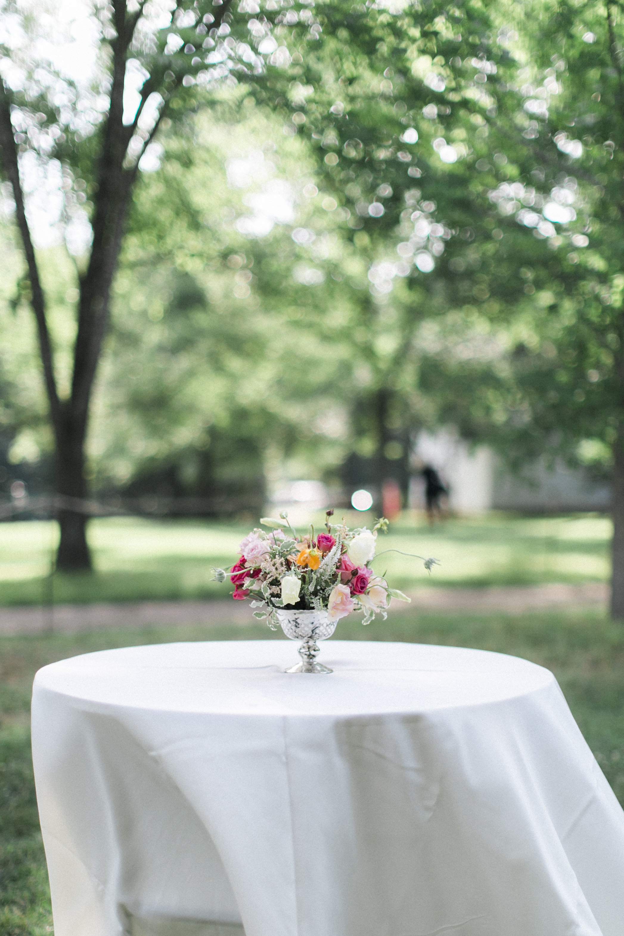 centerpiece tuckahoe plantation richmond virginia wedding florist