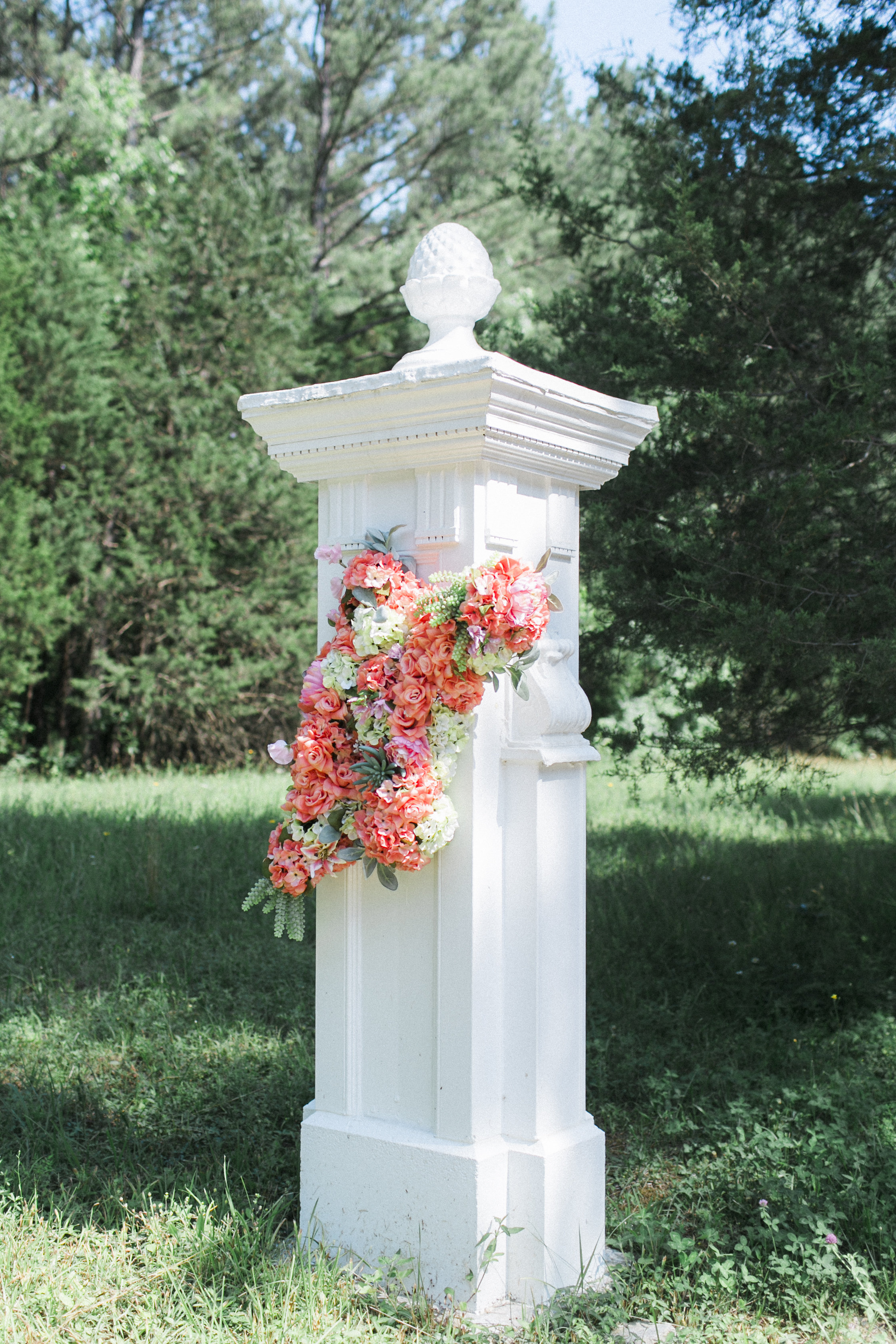 entrance arrangement tuckahoe plantation richmond virginia wedding florist