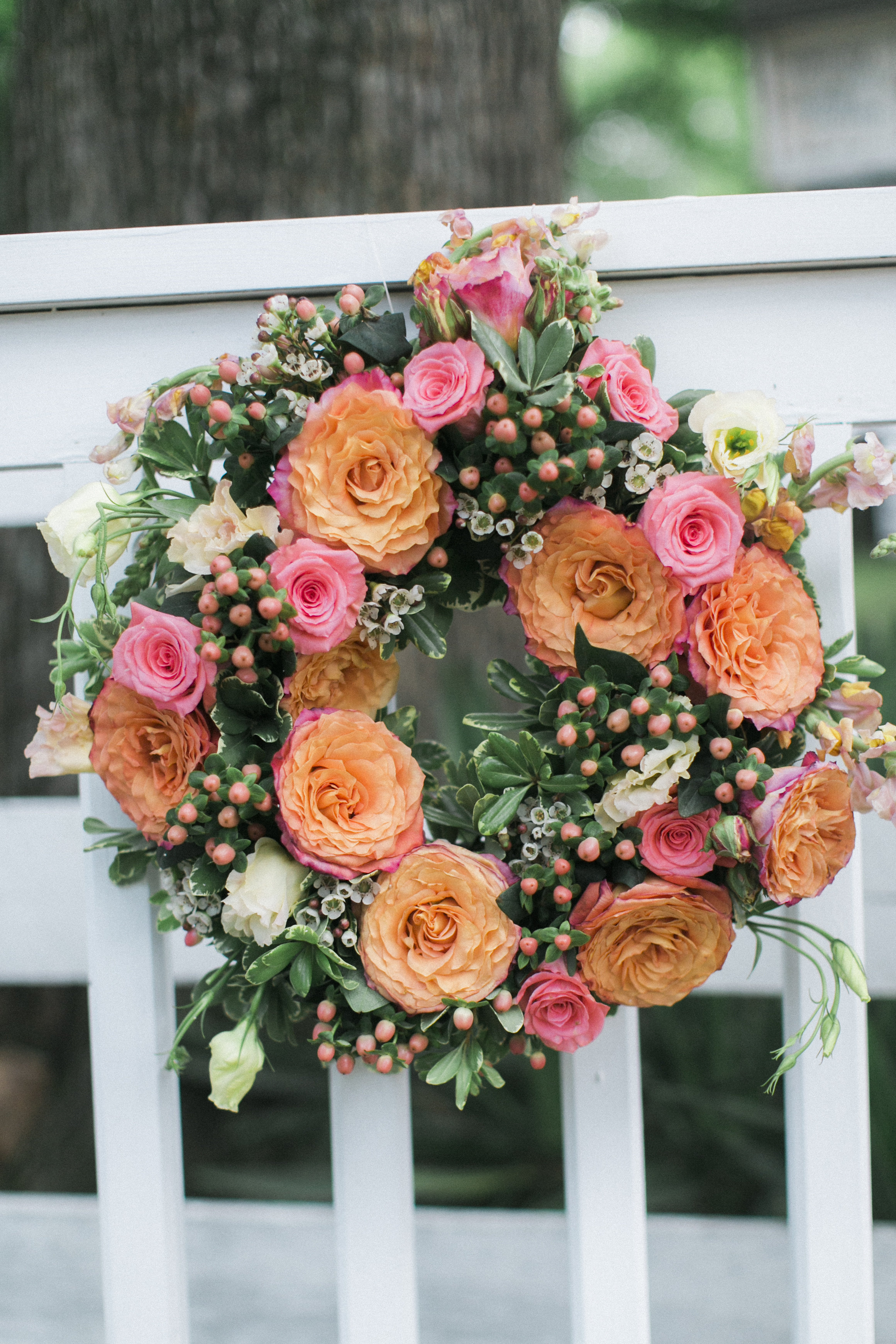 floral wreath wedding flowers tuckahoe plantation richmond virginia wedding florist