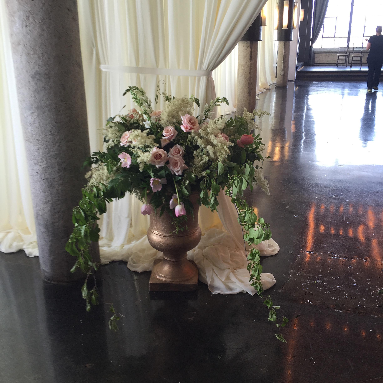 welcoming arrangement wedding flowers richmond virginia wedding florist