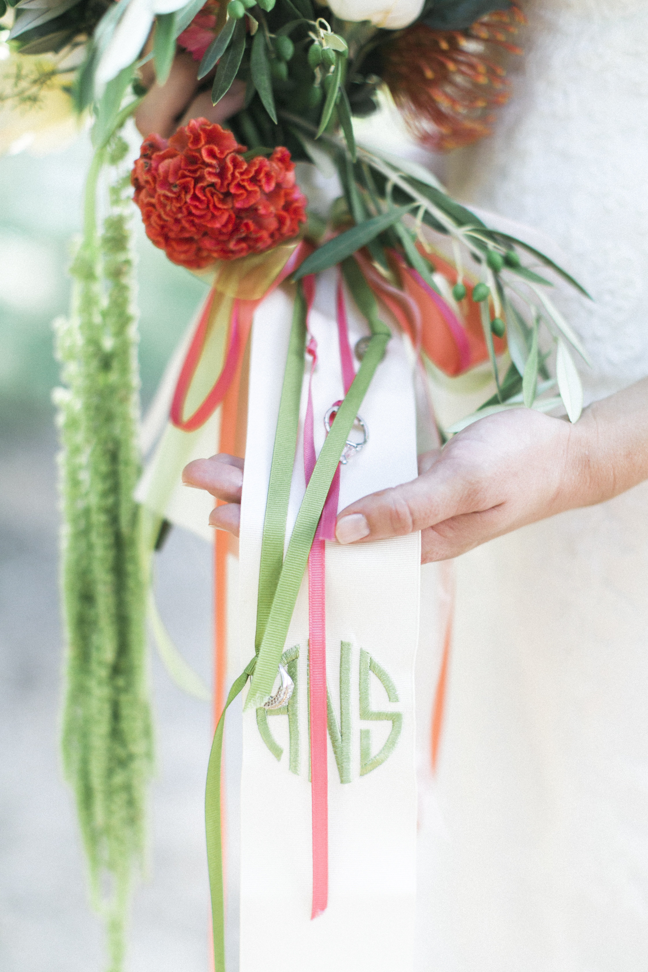 coral and green bridal bouquet tuckahoe plantation richmond virginia wedding florist