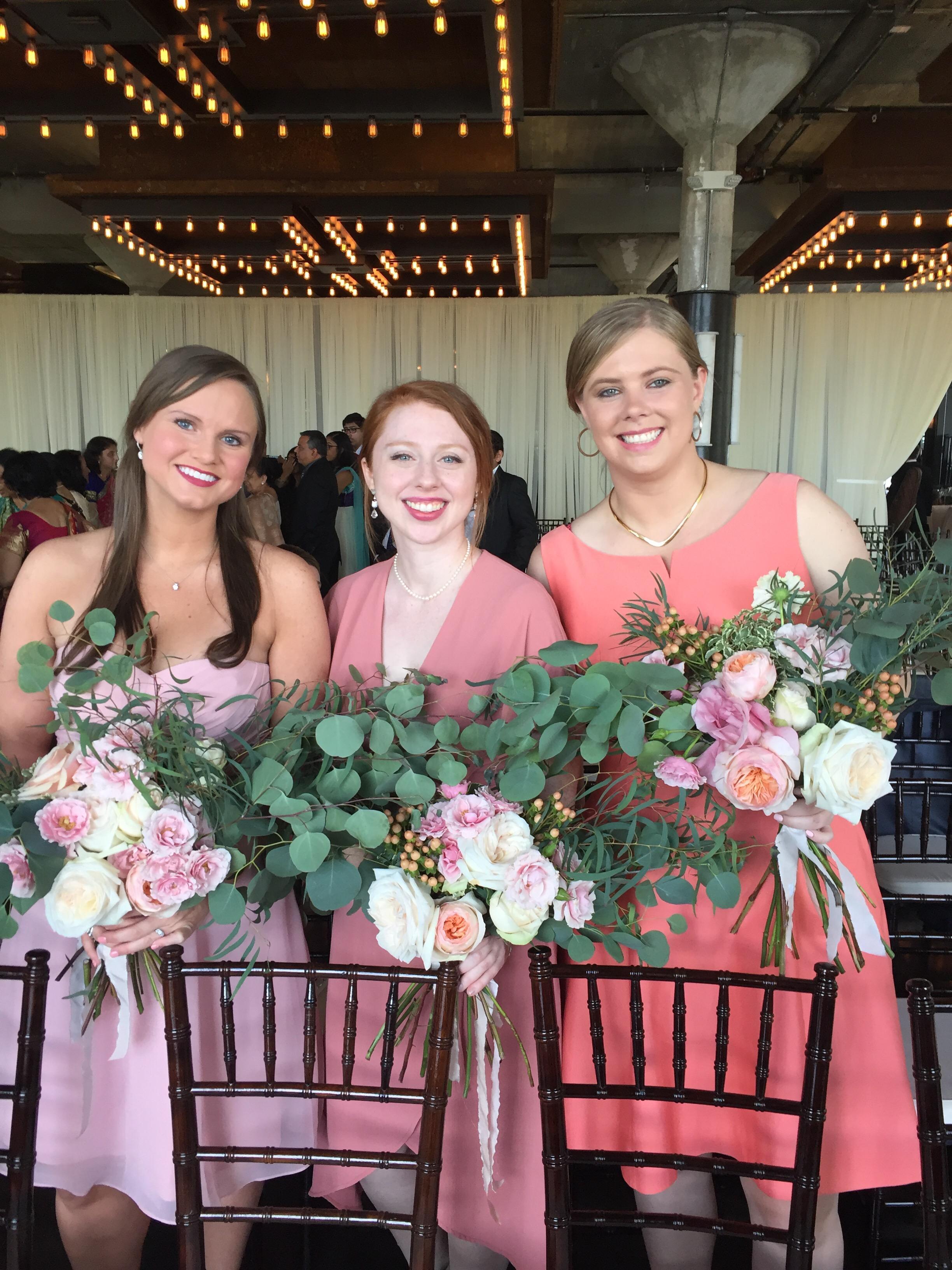 garden style bridesmaid bouquets peach bridesmaids bouquet richmond wedding florist virginia