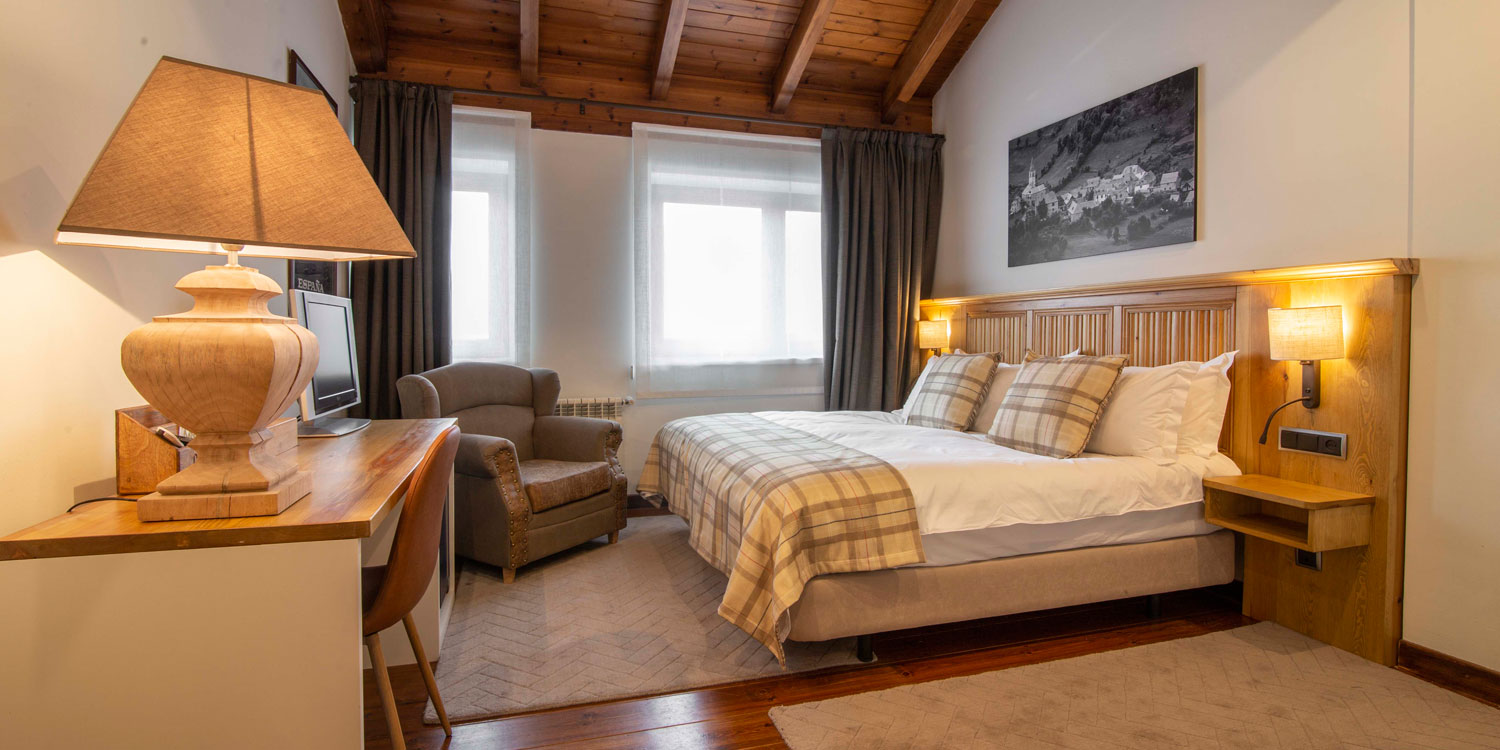 One of the bedrooms at Eira Ski Lodge