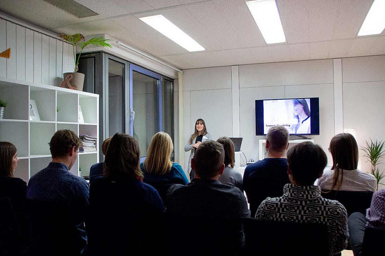 Nadine Hammele erzählt über Storytelling für Unternehmen
