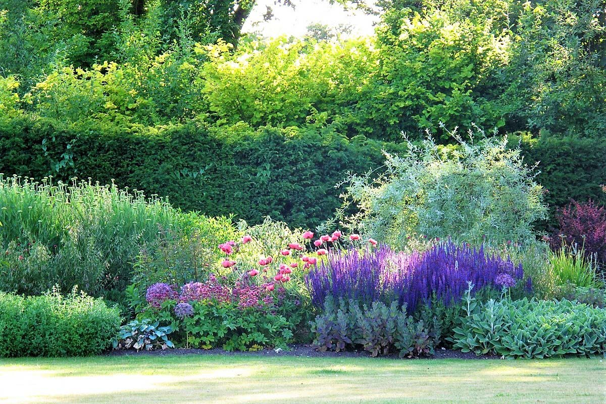 Tessa Hobbs - In the Chilterns - Garden and Design