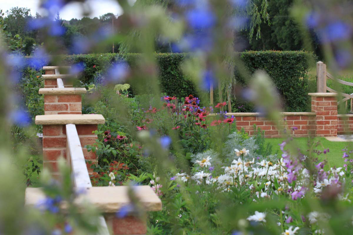 Tessa Hobbs - Suffolk Village Garden - Garden and Design