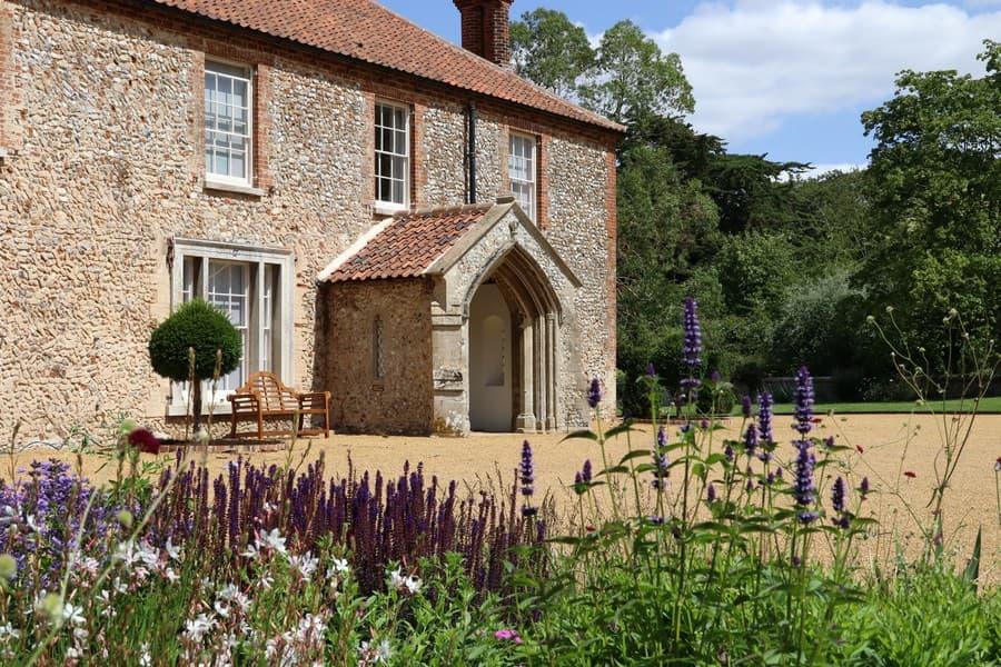 Tessa Hobbs - A Norfolk garden and surrounds