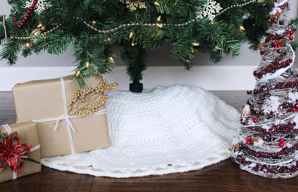 Crochet Christmas Tree Skirt Ideas Just Crafting Around