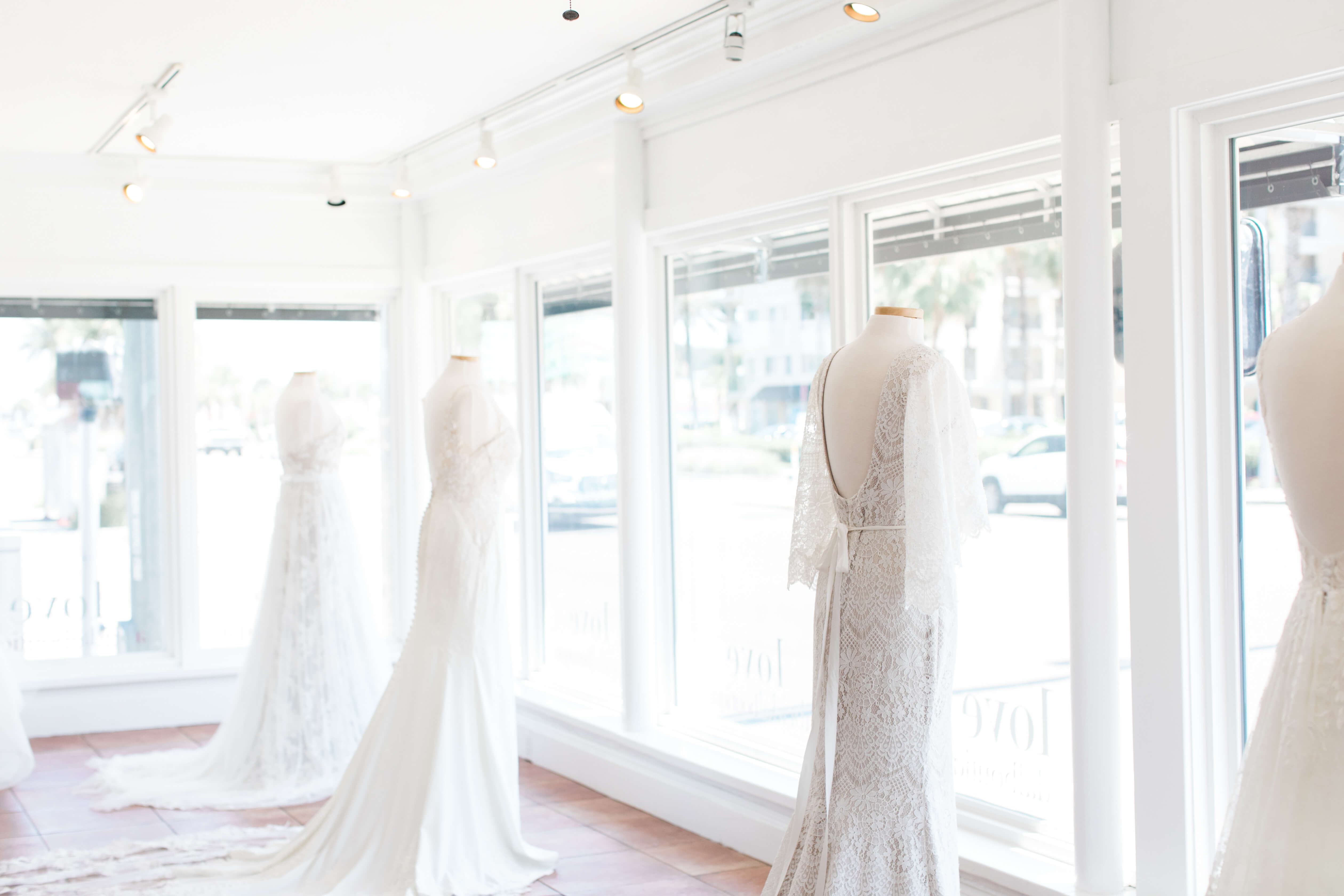 3 Mistakes to Avoid When Shopping for your Wedding Dress