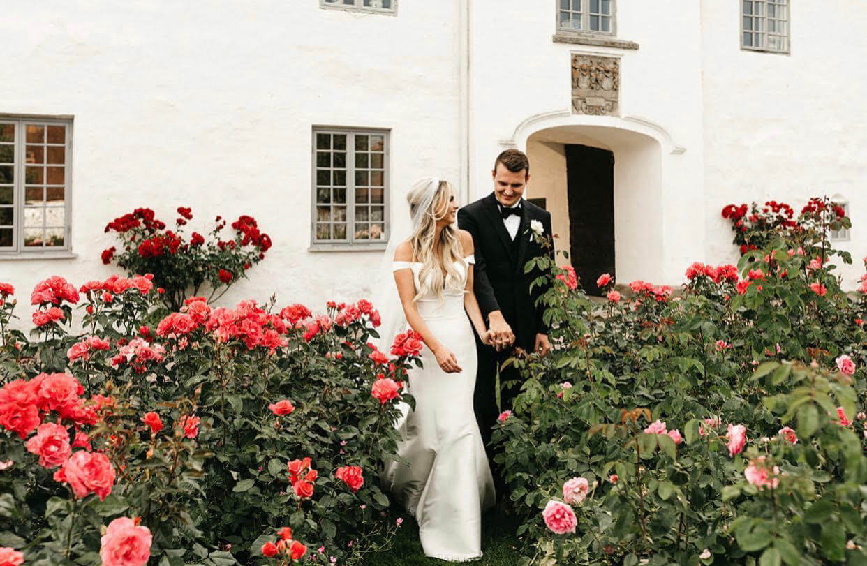 The Best Tips for Traveling With a Wedding Dress