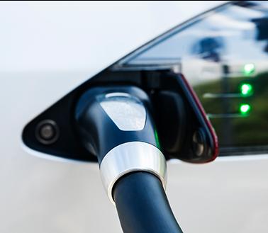 Bilde av elbil som lades
