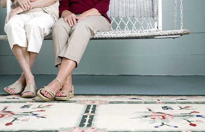 5 Steps to Caring for Seniors' Feet During the Summer Season